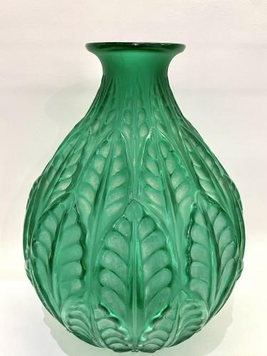 1927 René Lalique - Vase Malesherbes Emerald Green Glass White Patina -