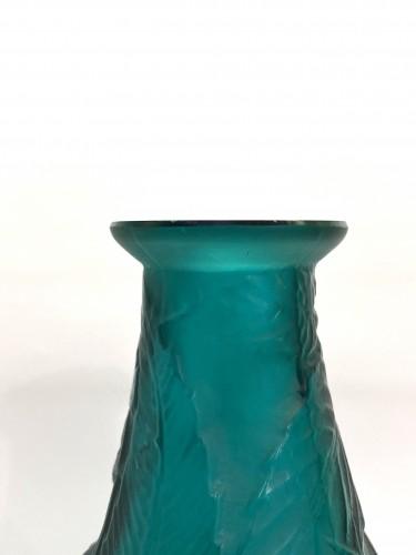 1923 René Lalique - Vase Sauges Tall Green Glass - Glass & Crystal Style Art Déco