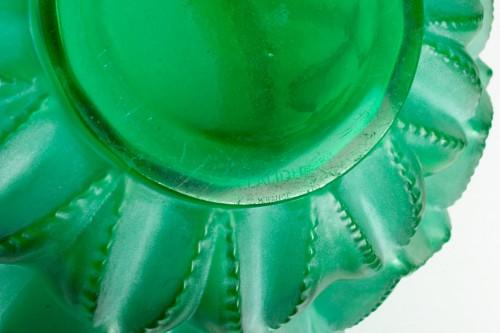 1929 René Lalique - Vase Languedoc Emerald Green Glass Patina White - Art Déco