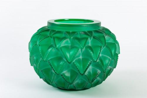 Art Déco - 1929 René Lalique - Vase Languedoc Emerald Green Glass Patina White
