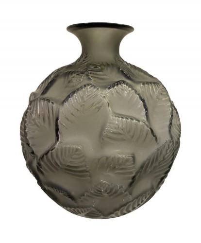 """1926 René Lalique - Vase """"Ormeaux"""""""