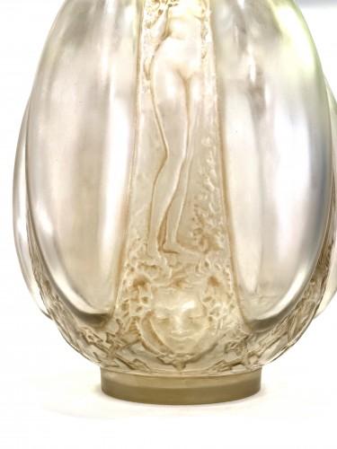 Art nouveau - 1912 René Lalique - Vase « Six Figurines et Masques »