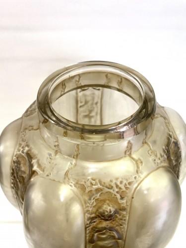 Antiquités - 1912 René Lalique - Vase « Six Figurines et Masques »