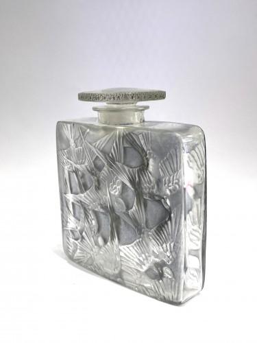 1920 René Lalique - Perfume Bottle Hirondelles -