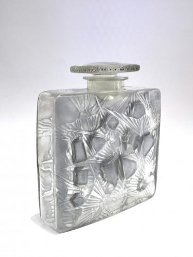20th century - 1920 René Lalique - Perfume Bottle Hirondelles