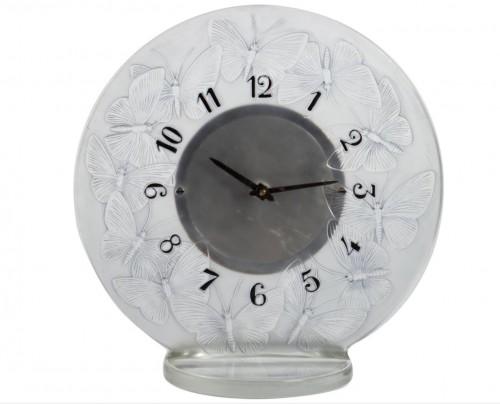 "1931 Rene Lalique - Clock ""Papillons"" Original Mechanical Omega Movem"