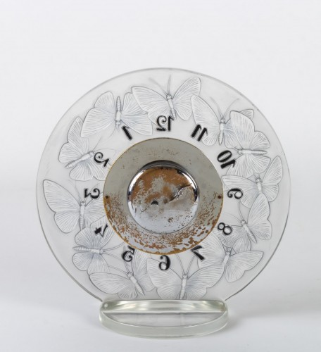 "Antiquités - 1931 Rene Lalique - Clock ""Papillons"" Original Mechanical Omega Movem"