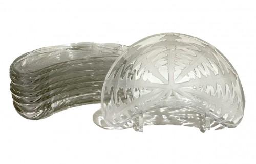 """1924 René Lalique - Set of eight 8 """"Pissenlit"""" salad plates"""