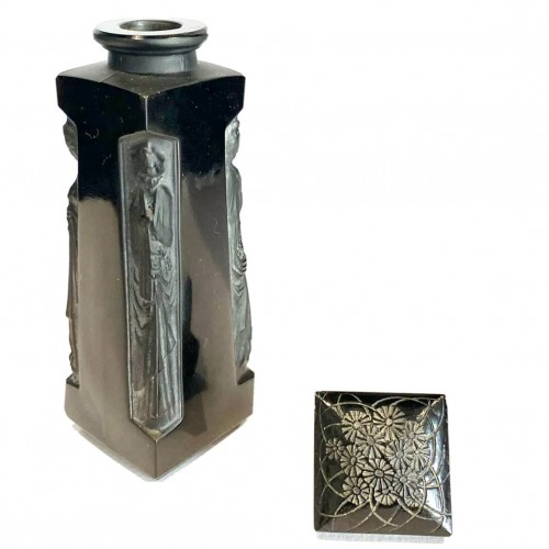 Glass & Crystal  - 1914 René Lalique - Perfume Bottle Ambre D'Orsay Black Glass White Patina