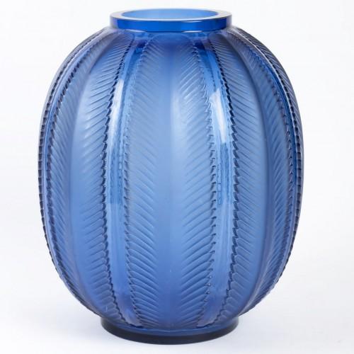 """1932 Rene Lalique - """"Biskra"""" Vase - Glass & Crystal Style Art Déco"""