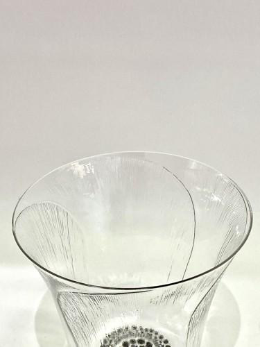 "Glass & Crystal  - 1922 René Lalique - Set of 12 ""Pavot"" drinking glasses"
