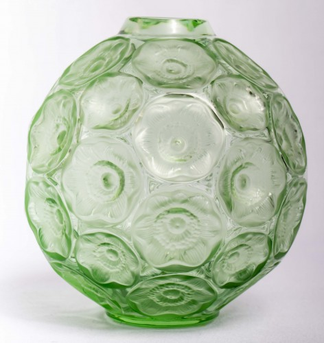 Lalique France - Anemones Vase -