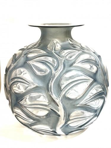 20th century - 1926 René Lalique - Vase Sophora