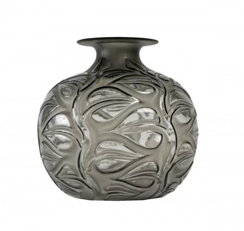 1926 René Lalique - Vase Sophora