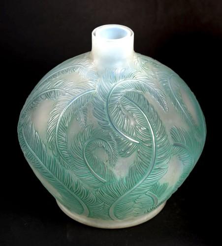 Glass & Crystal  - 1920 René Lalique - Vase Plumes