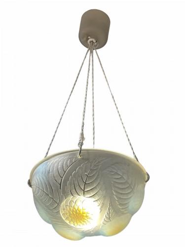 20th century - 1921 René Lalique - Ceiling Dahlias