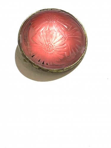 Glass & Crystal  - 1920 Rene Lalique - Brooch Cabochon Marguerite Pink