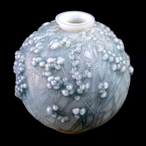 Glass & Crystal  - 1924 René Lalique - Vase Druide