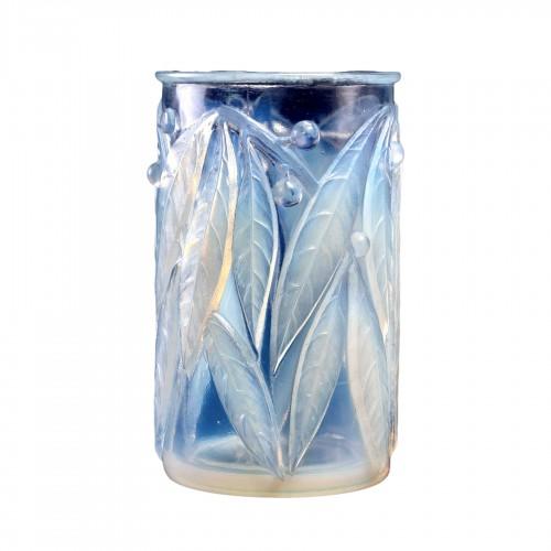 1922 René Lalique - Vase Laurier