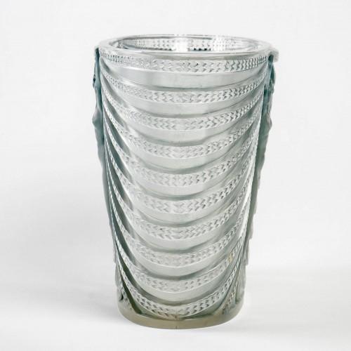 Glass & Crystal  - 1937 René Lalique - Vase Terpsichore