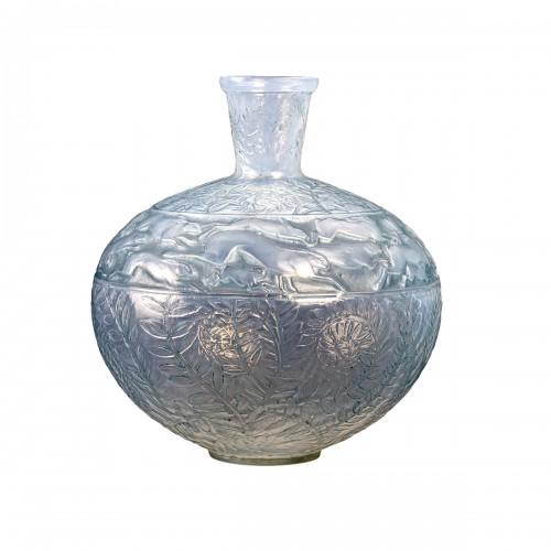 1923 René Lalique - Vase Lievres Double Cased