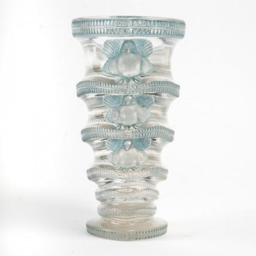 Glass & Crystal  - 1939 René Lalique - Vase Saint-marc