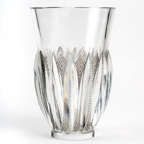 Glass & Crystal  - 1934 René Lalique - Vase Gerardmer