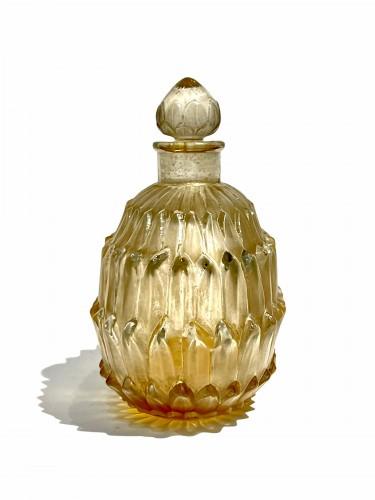 Glass & Crystal  - 1920 René Lalique - Perfume Bottle Amelie