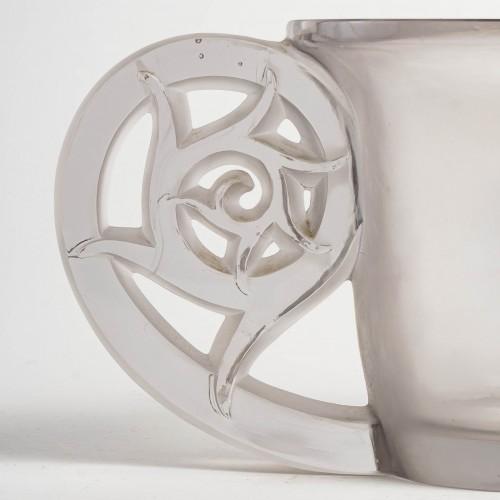 20th century - 1926 René Lalique - Vase Pierrefonds