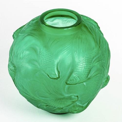 20th century - 1924 René Lalique - Vase Formose