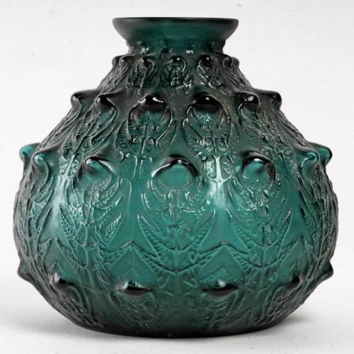Glass & Crystal  - 1912 René Lalique - Vase Fougères