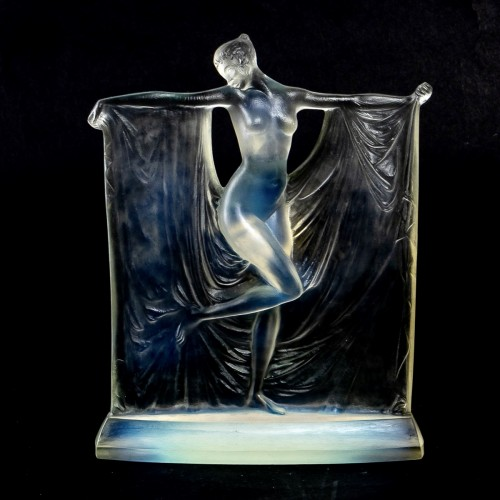 """1925 René Lalique - Statuette """"Suzanne"""" - Glass & Crystal Style Art Déco"""