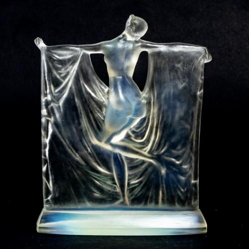 """Glass & Crystal  - 1925 René Lalique - Statuette """"Suzanne"""""""