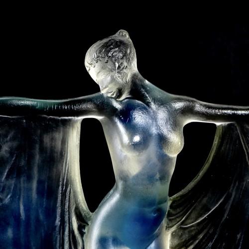 "20th century - 1925 René Lalique - Statuette ""Suzanne"""