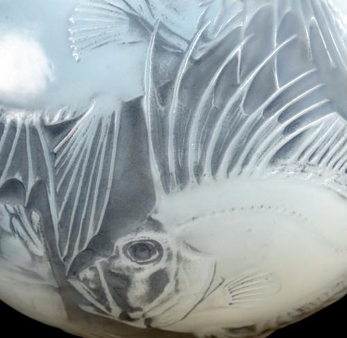 Glass & Crystal  - 1921 René Lalique - Vase Poissons Cased