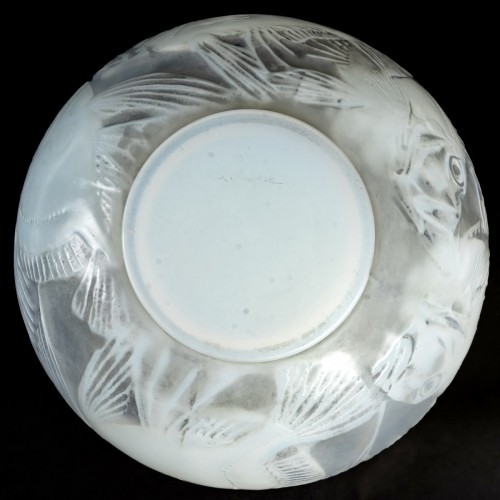 20th century - 1921 René Lalique - Vase Poissons Cased