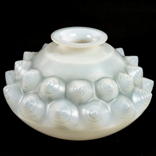 1927 René Lalique - Vase Dordogne Cased - Glass & Crystal Style Art Déco