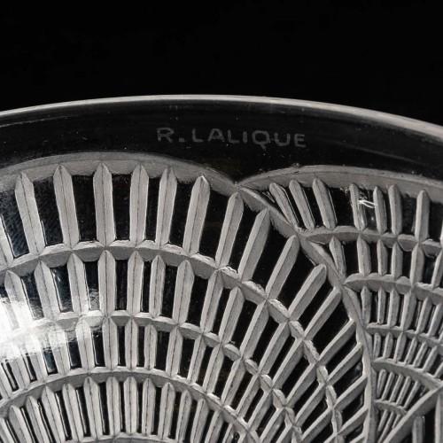 1924 René Lalique - Set Of 10 Coquilles Hand Bowl  -