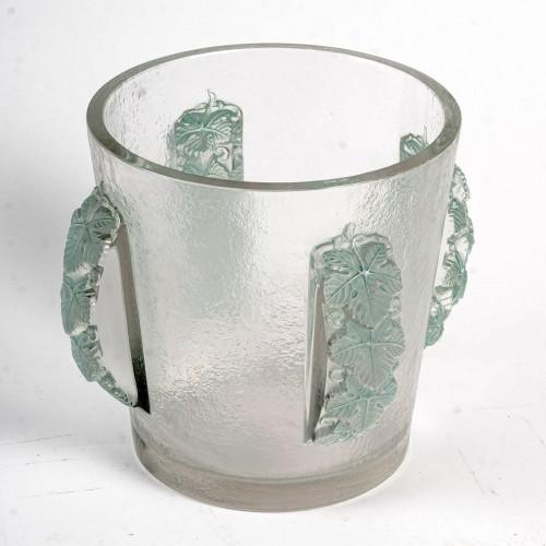 Glass & Crystal  - 1938 René Lalique - Ice Bucket Vase Epernay