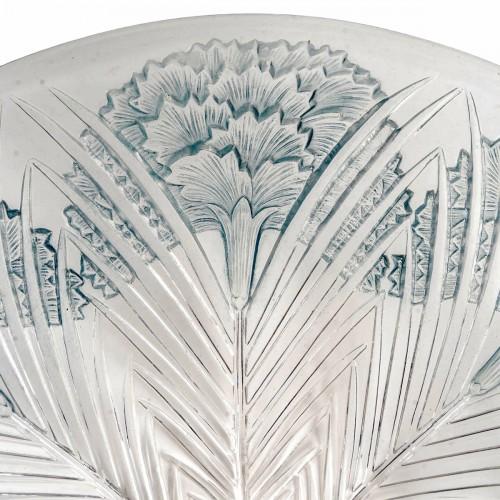 """Glass & Crystal  - 1932 René Lalique - """"Oeillet"""" Bowl Plate"""