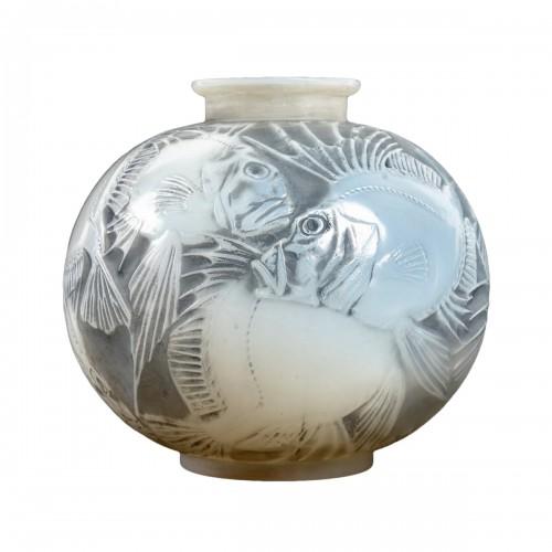 """1921 René Lalique - """"Poissons""""  Vase"""