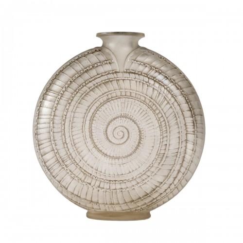 """1920 René Lalique - """"Escargot"""" Vase"""