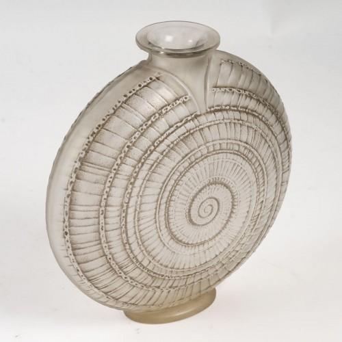 """1920 René Lalique - """"Escargot"""" Vase - Glass & Crystal Style Art Déco"""