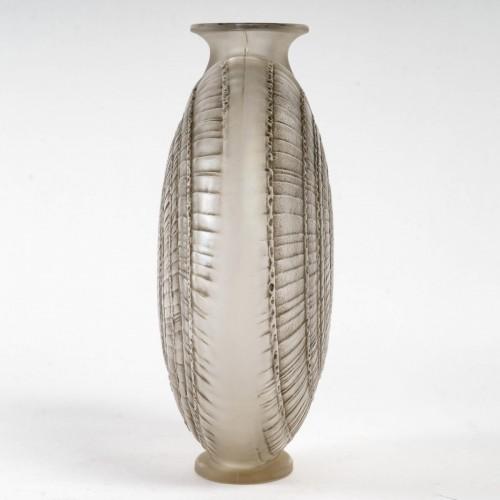 "Glass & Crystal  - 1920 René Lalique - ""Escargot"" Vase"