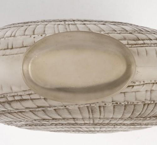 """20th century - 1920 René Lalique - """"Escargot"""" Vase"""