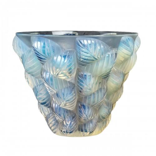1927 René Lalique - Vase Moissac