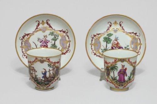 "Doccia (Italy) - Two decorated cups ""alla Sassone"" - Eighteenth Century"