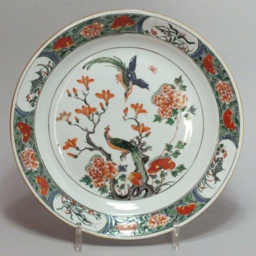 chine assiette de la famille verte p riode kangxi 1662 1722. Black Bedroom Furniture Sets. Home Design Ideas