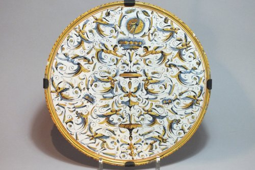 Dish with decoration of grotesques - XVIIth Century