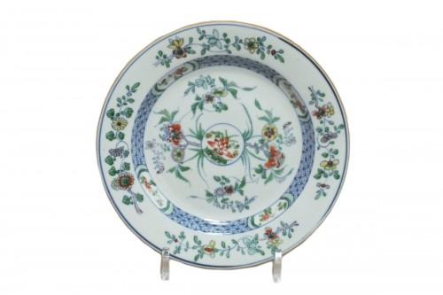 "CHINA - enamels Plate ""Doucai"" - Yongzheng Period (1723-1735)"